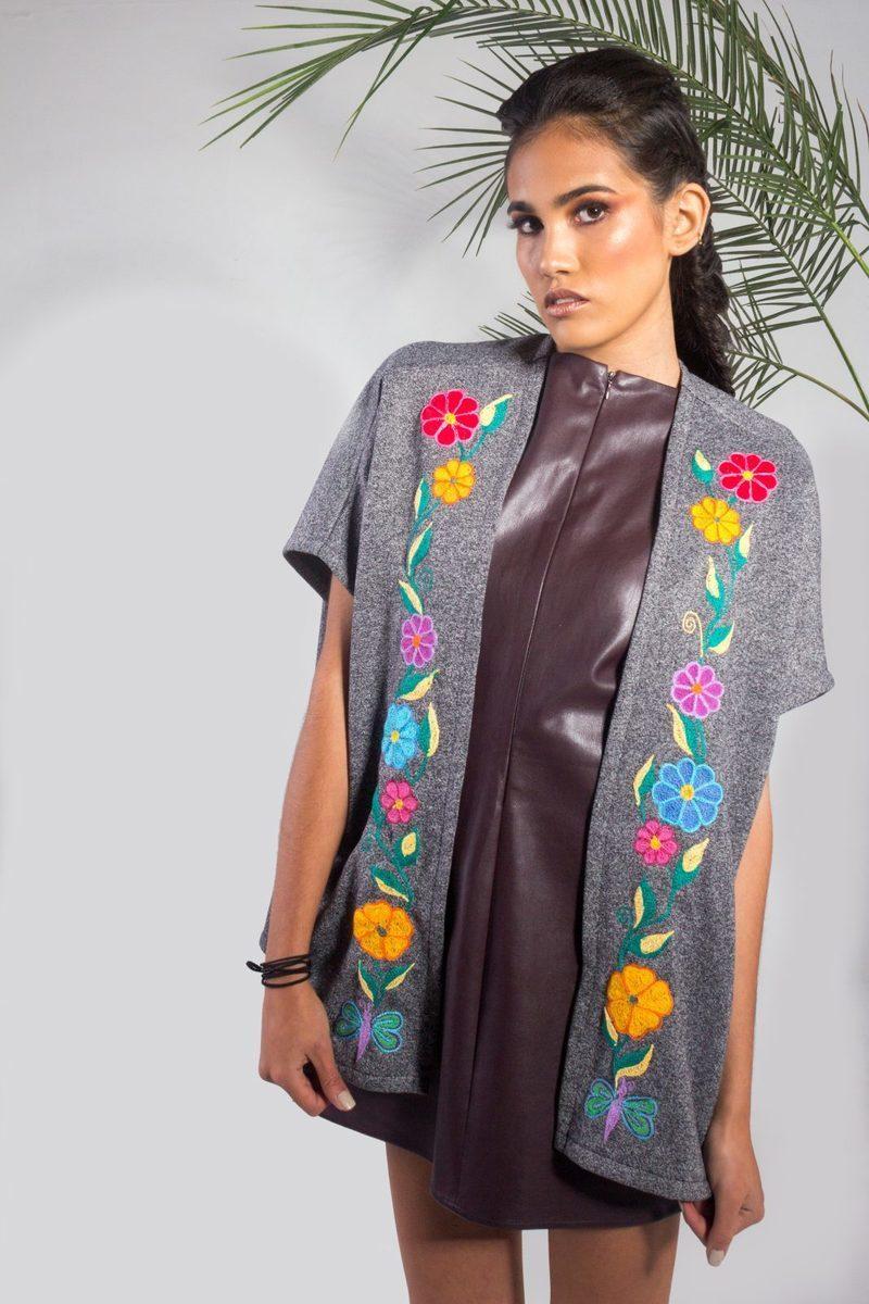 look capa bordada selva y color